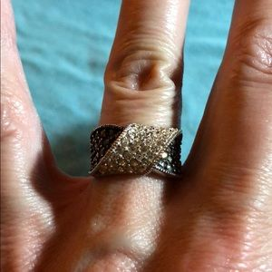 Jewelry - Vintage sterling twist ring with pave stones